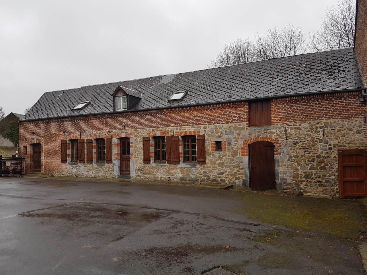 Grange, corps de ferme 190m²