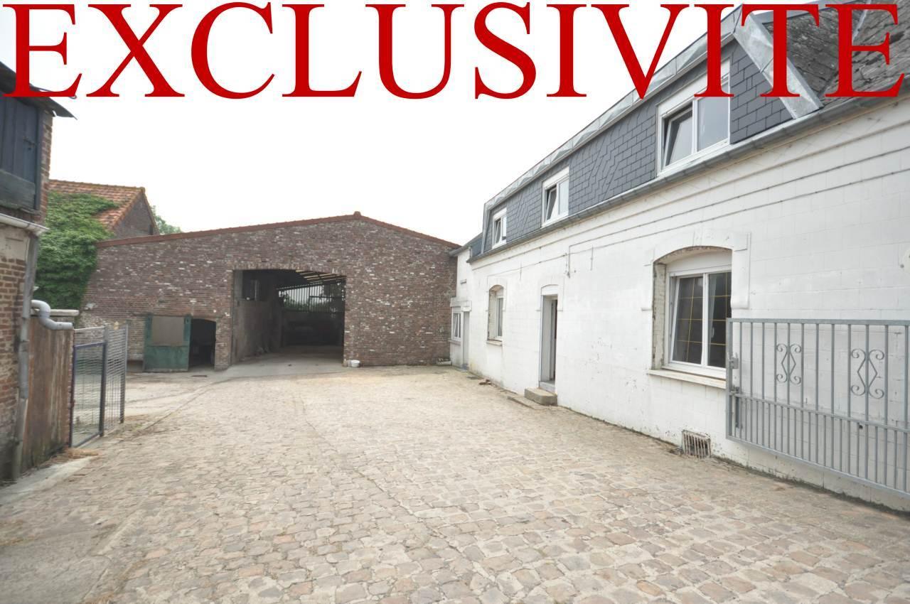 Grange, corps de ferme 157m²