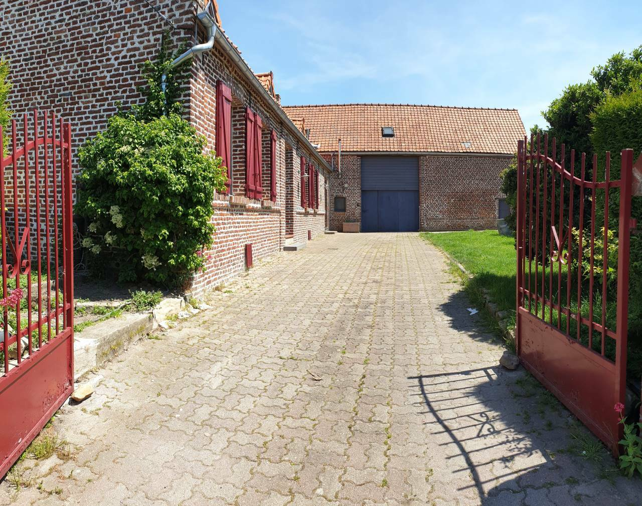 Grange, corps de ferme 155m²
